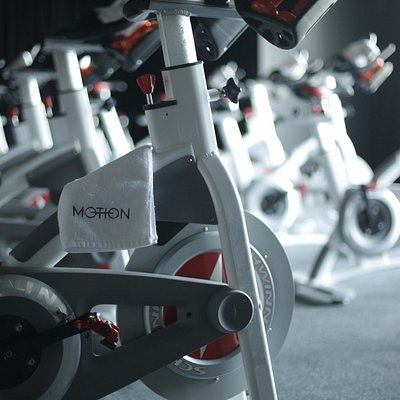 Motion cycling is a 45 minute soulful cycling session aimed at sculpting the body & raising the