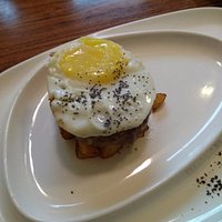 Свинина с картошкой и яйцом