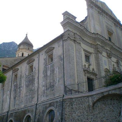 Basilica Concattedrale vista dal fiume Tenza
