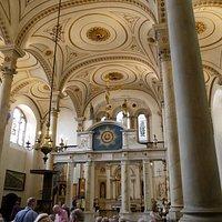 Christ Church with St Ewen interior
