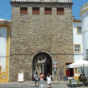 Restos das Muralhas e Portas em Portalegre
