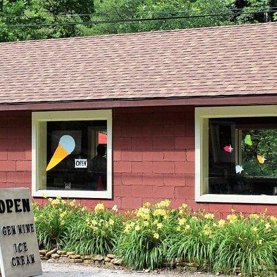 The Gem Mine - Gem Mining & Ice Cream Shop