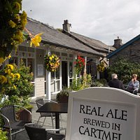 Enjoy craft beer, amazing cheeses, local bread and pies, fine wines and cocktails in Unsworth's