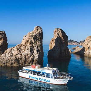 Rutas en barco entre Tossa de Mar y Cala Giverola