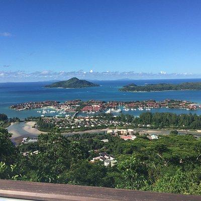 Прекрасные виды на Райский остров.