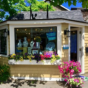 Carol Lee's Cottage in the summertime!