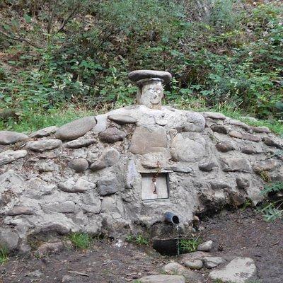 Fuente en la margen del Eresma en Los Asientos, Valsaín