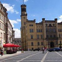 Рыночная площадь и кафе Lust