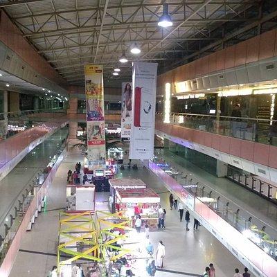 Top floor with multiple screens