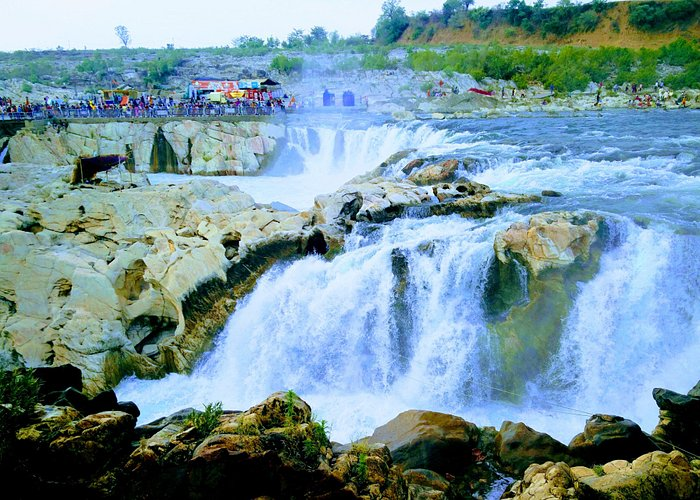View of the waterfall from the other side (new Bhedaghat).