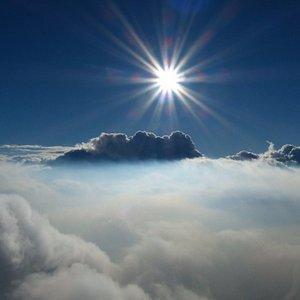 Prachtig boven de wolken!