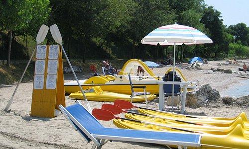beautiful beach and free chairs