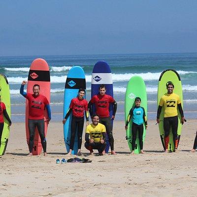 Grupos de surf Alumnos reducidos y tato personalizado en San Vicente de la Barquera