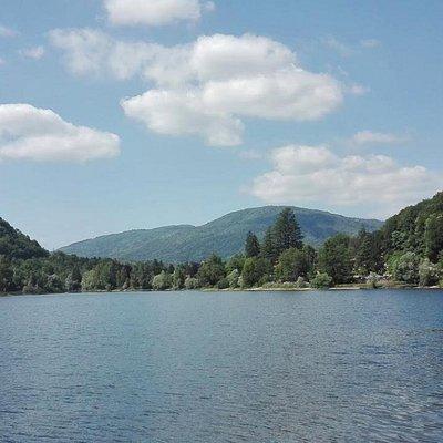 Lago di Ghirla d'estate