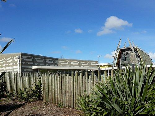 Distinctive exterior incorporating a waka design