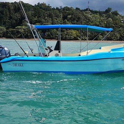 Minor Morales and sport fishing Boat el Pinino