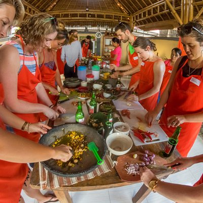 Enjoy cooking with group from Australia