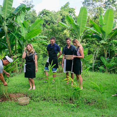 Pick your own ingredients - many are things grown only in Bali!