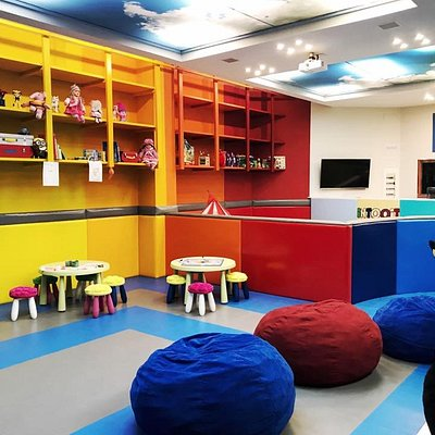 INTOOIT Kids Club in Puerto Banus - Zona de juego, games, PlayStation and Xbox