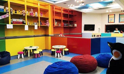 INTOOIT Kids Club in Puerto Banus - Zona de juego, games, PlayStation and Xbox