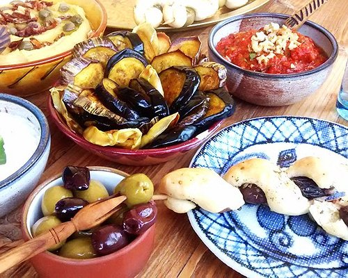 Greek cooking class in Thessaloniki with Erna - Traveling Spoon