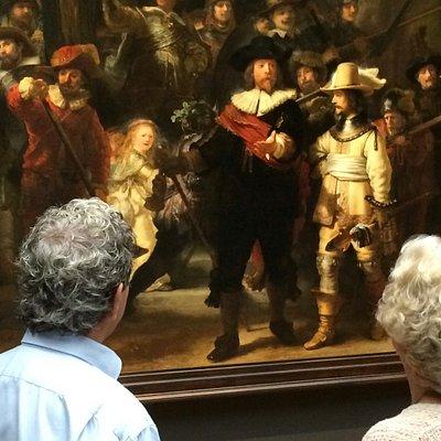 Dit stel vierde hun 50 jarig huwelijk met prive tour Rijksmuseum