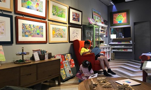 Laima Picture Book Art Gallery