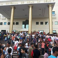 Multidões de pessoas buscando a Deus!