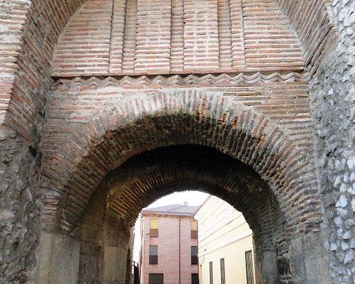 Arco de la Villa, Olmedo