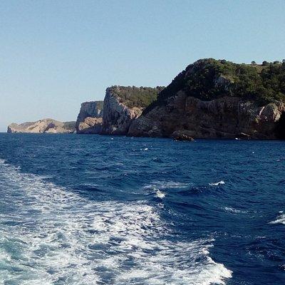 catamaran ; escala _ile mendes