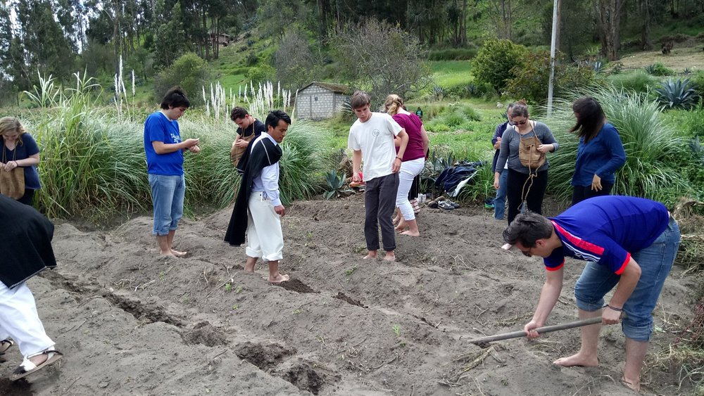 Georgetown University students support the traditional/sustainable agriculture program in Salasa