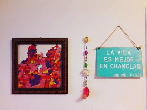LA VIDA ES MEJOR EN CHANCLAS !!! CARTEL DE LA TIENDA