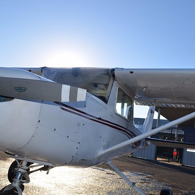 A cool frosty morning in the Hunter Valley has us waiting for the Cessna 152 to defrost