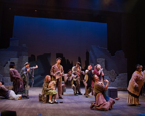 Annie opens at DeWitt Theatre July 7, 2017 and runs through August 12.