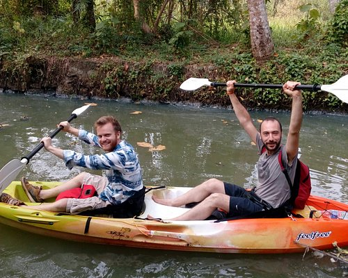 Come and join us on an amazing journey through the maze of waterways called the kerala backwater