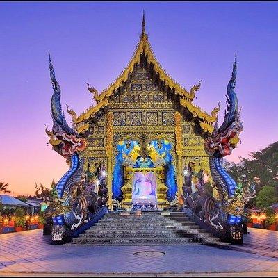Экскурсия по храмам Чианг Рая / Голубой Храм