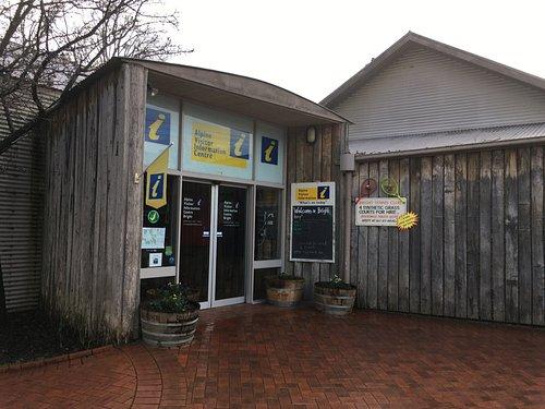 Alpine Visitor Information Centre - Bright Vic