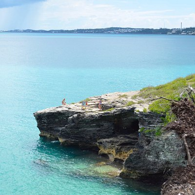 Cliff diving spot - ranging from 20 ft - 40 ft heights