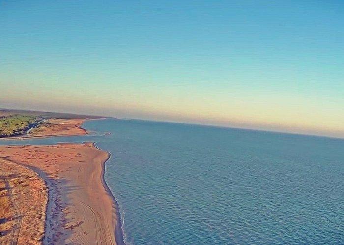 Foto aerea mare e litorale