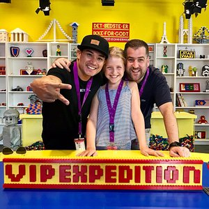 Mr. Andre Pflaum and party on VIP tour at Legoland Malaysia. After that, shisha session stopover