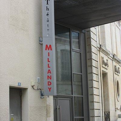 L'entrée du Théâtre Millandy