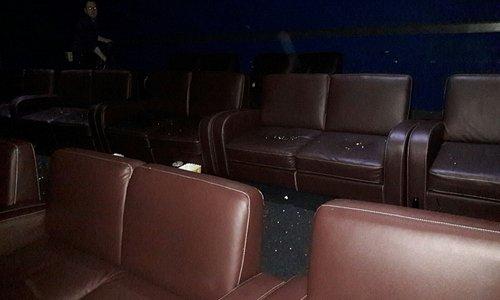 sofas in kino cinema