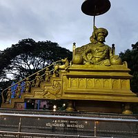 Grand statue of King