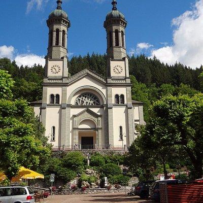 Todtnau - Kirche (vue depuis la place centrale)