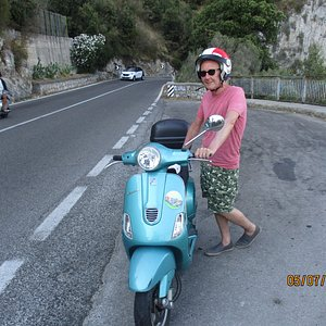 Taking a break from those crazy italian drivers. Scooters get right of way. If you like bikes yo