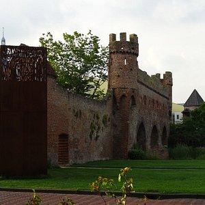 RIJKSMONUMENT BERKELPOORT-RUINE UIT 1424;ZUTPHEN