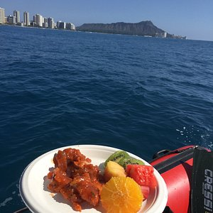 Fresh Poke & Island Fruits make our Turtle Canyon Snorkel the perfect day on the water!
