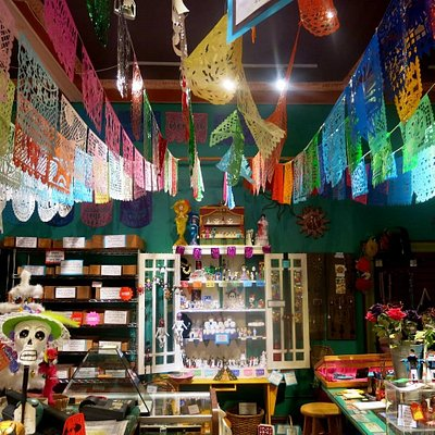 Casa Bonampak has a huge vairety of crafts and products from Mexico and Latin Amerrica