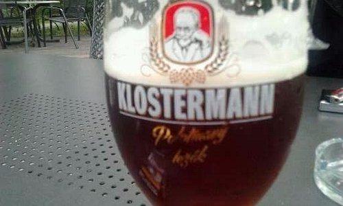 Super tmavé pivo,ideálně chlazené,za velice příznivou cenu😉 doporučuji jam mužům tak ženám,po d