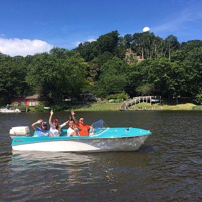 Retro Boat Rentals in Saugatuck!